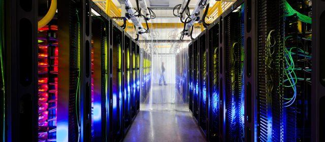 В чем заключаются отличия классической и виртуальной сети?
